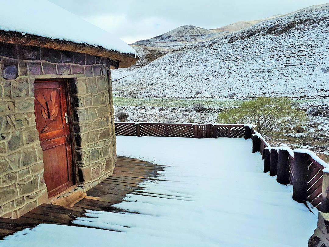 Amanzi Empilo rondawel deck in winter