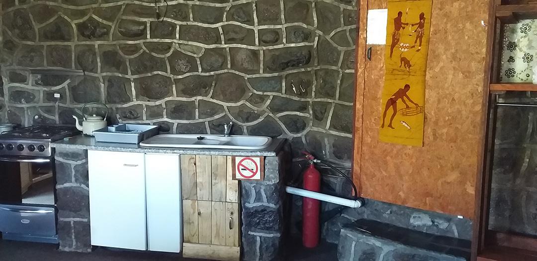 Amanzi Empilo Self-catering Open Plan Kitchen