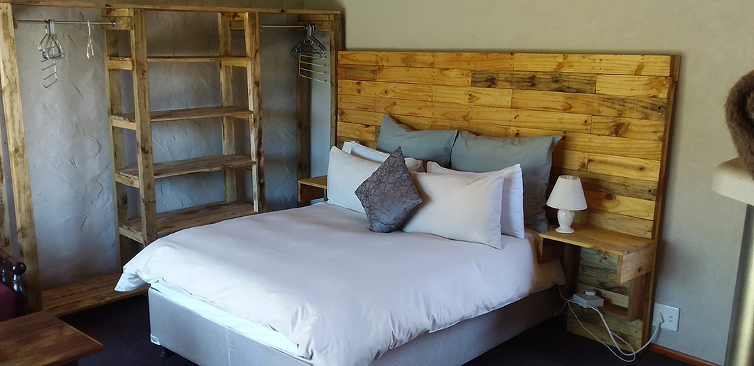 Masalimo Cottage double bed bedroom 2021